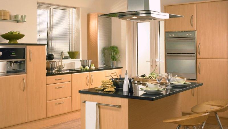 Кухня из древесины бука